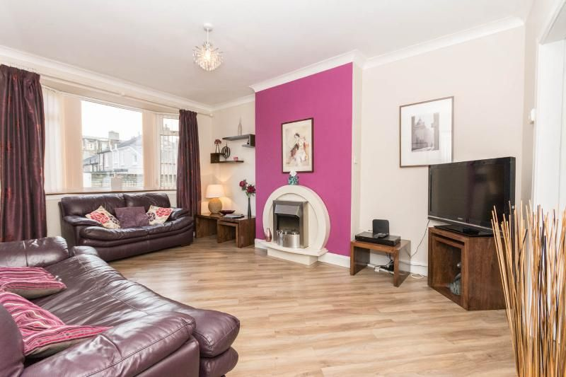 Central tourist flat in Edinburgh for 6