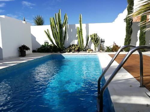 Casa con piscina de 1 habitación