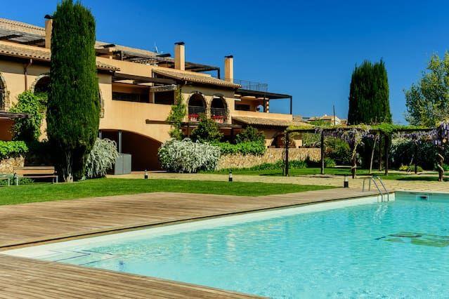 Can Montgri 5, apartamento de 3 habitaciones con jardin y piscina comunitaria