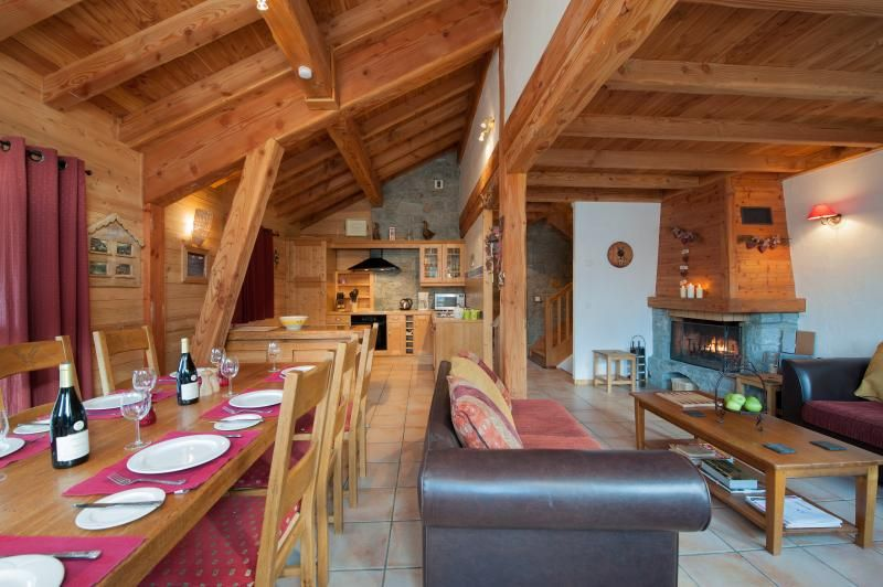 Chalet Les Laurels - Self-catered Ski Chalet