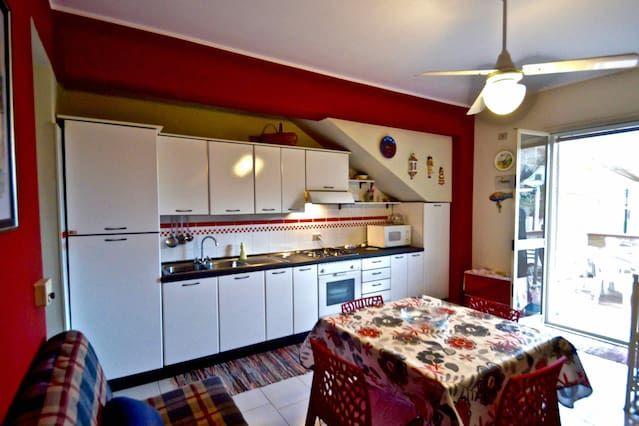 Alojamiento de 1 habitación en Santa teresa di riva