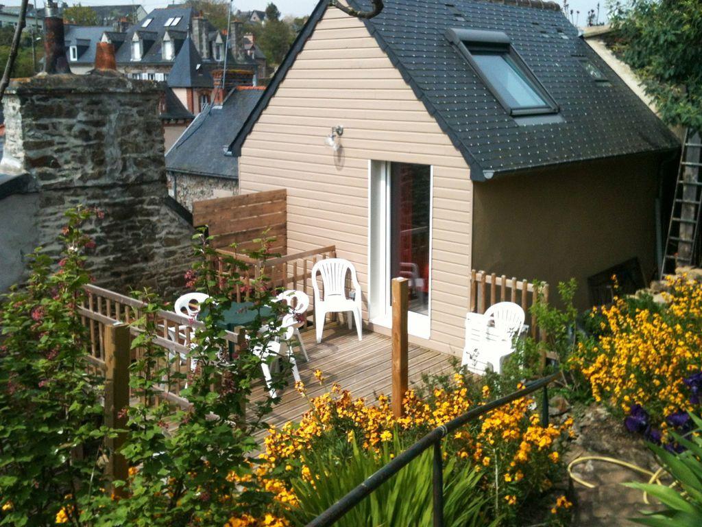 Casa funcional con jardín