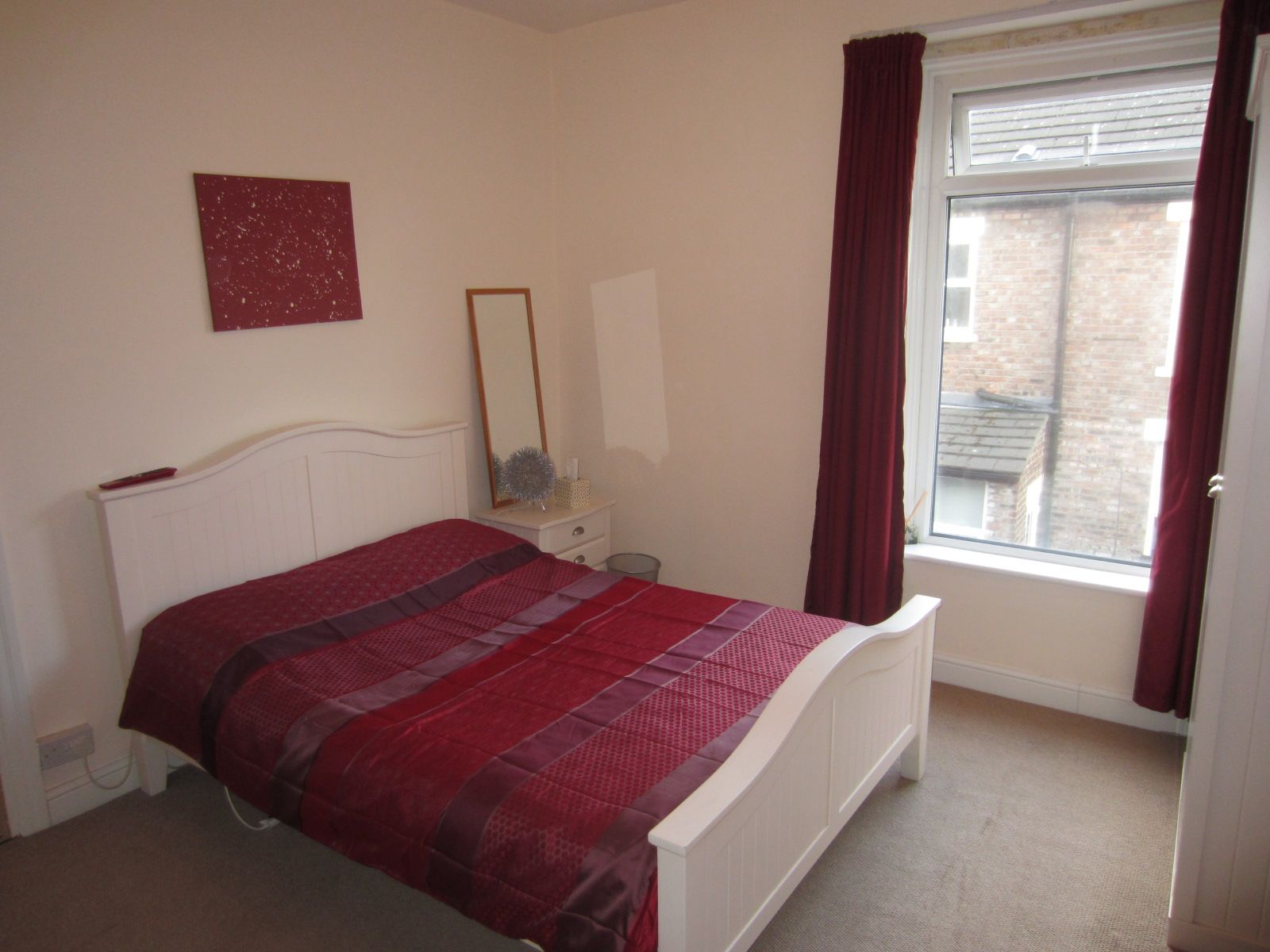 Holiday Apartment in Liverpool with  Kitchen