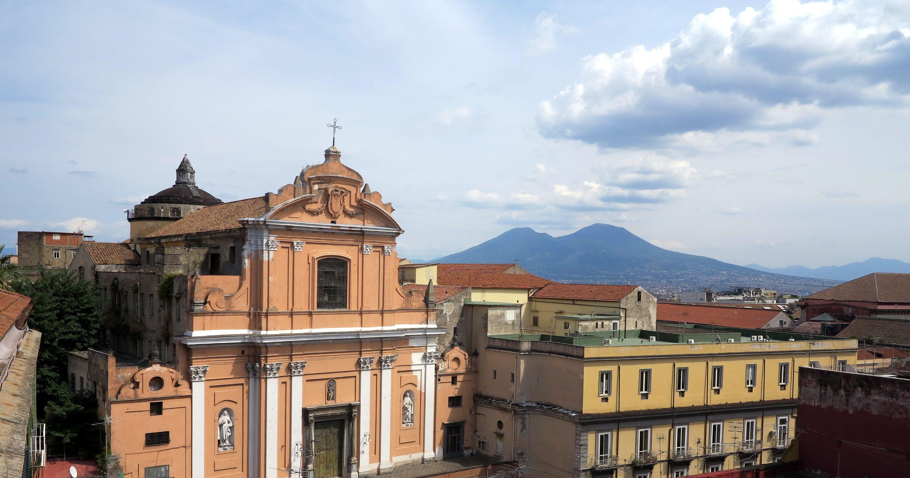Apartamento en el centro con  Internet en Nápoles