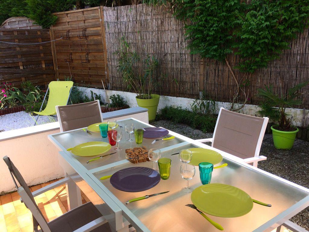 Alojamiento con jardín en Talmont saint hilaire