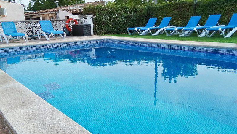 Casa campo  con piscina y Wi-fi para 6 personas