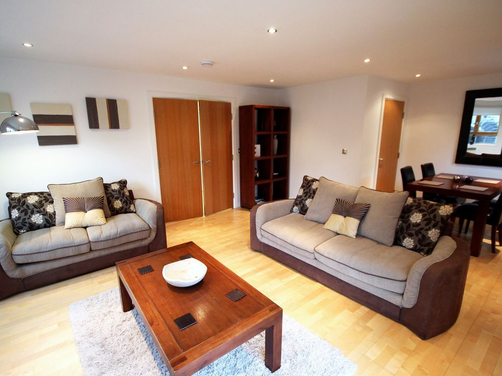 Luxury 2 bed penthouse (Q1)