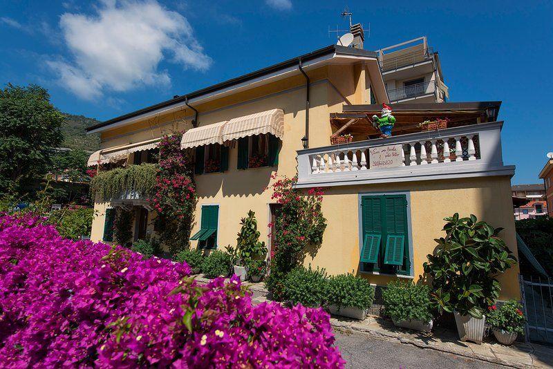 Elegant apartment in a villa
