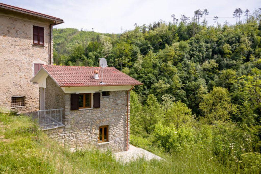 Equipada casa en Sesta godano (sp)