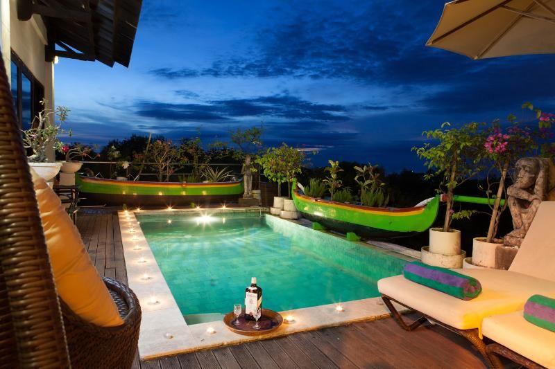 Fantástico Casa con 3 dormitorio(s) en Denpasar con Aire acondicionado, Aparcamiento y Piscina