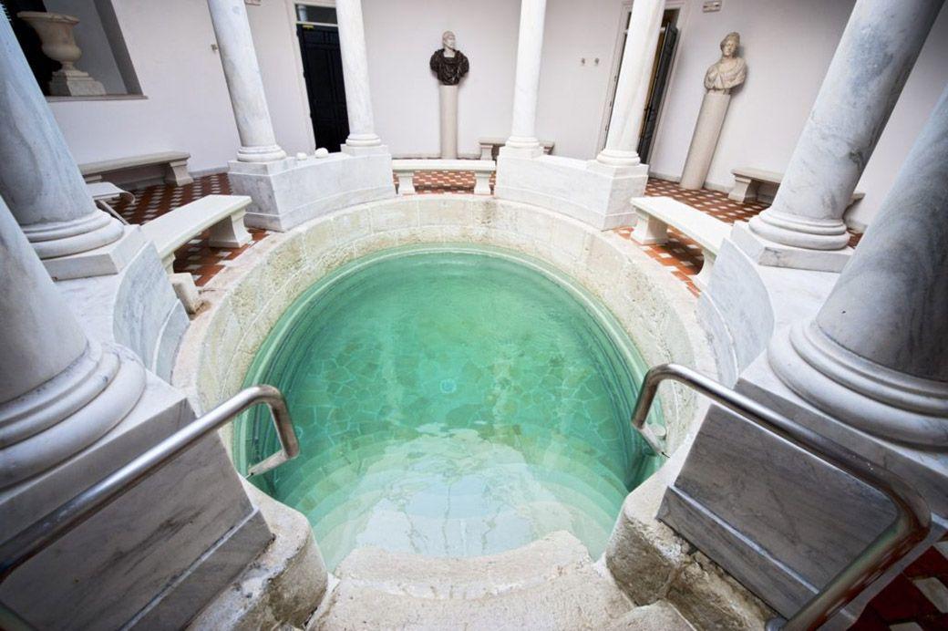 Baño termal original del Villa Padierna