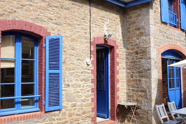 casa encantadora ciudad en Dinard, muy cerca de las playas y de mercado, zona tranquila