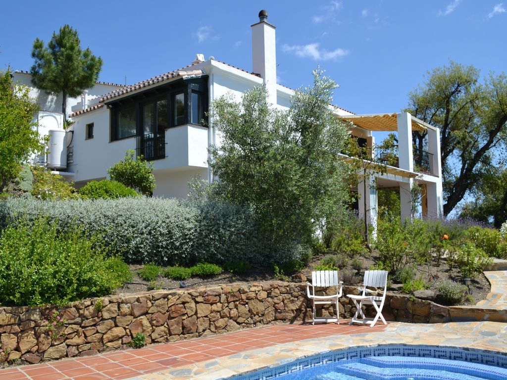 Attractive holiday apartment of 3 rooms in Costa del sol