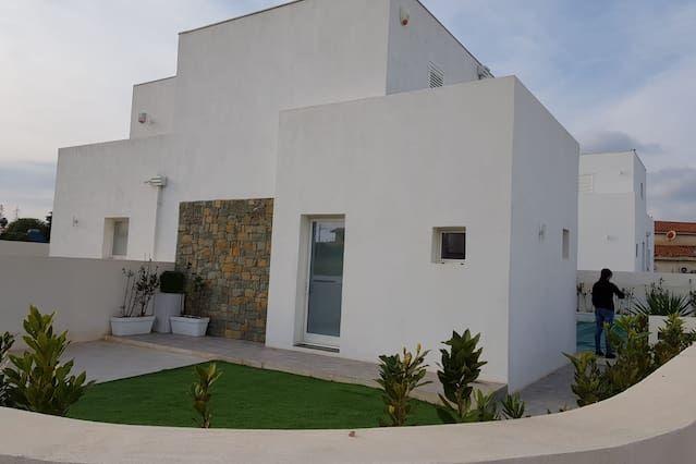 Casa con balcón en Marzamemi