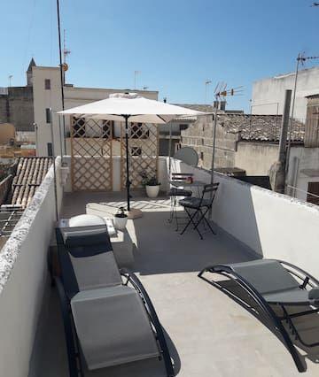 Residencia panorámica con jardín