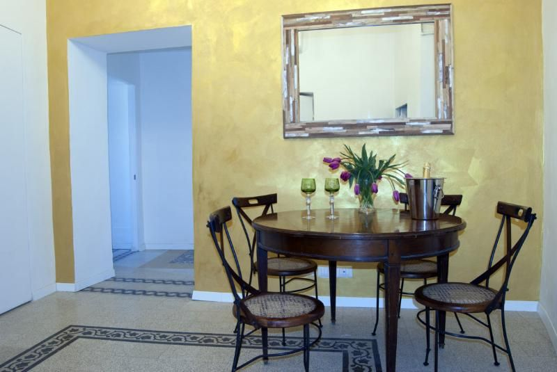 Santonofrio Gold 2 bedroom Apartment in Historical Rome