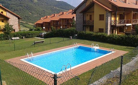 Vivienda con piscina en Potes