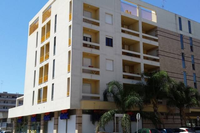 Dotada vivienda con parking incluído