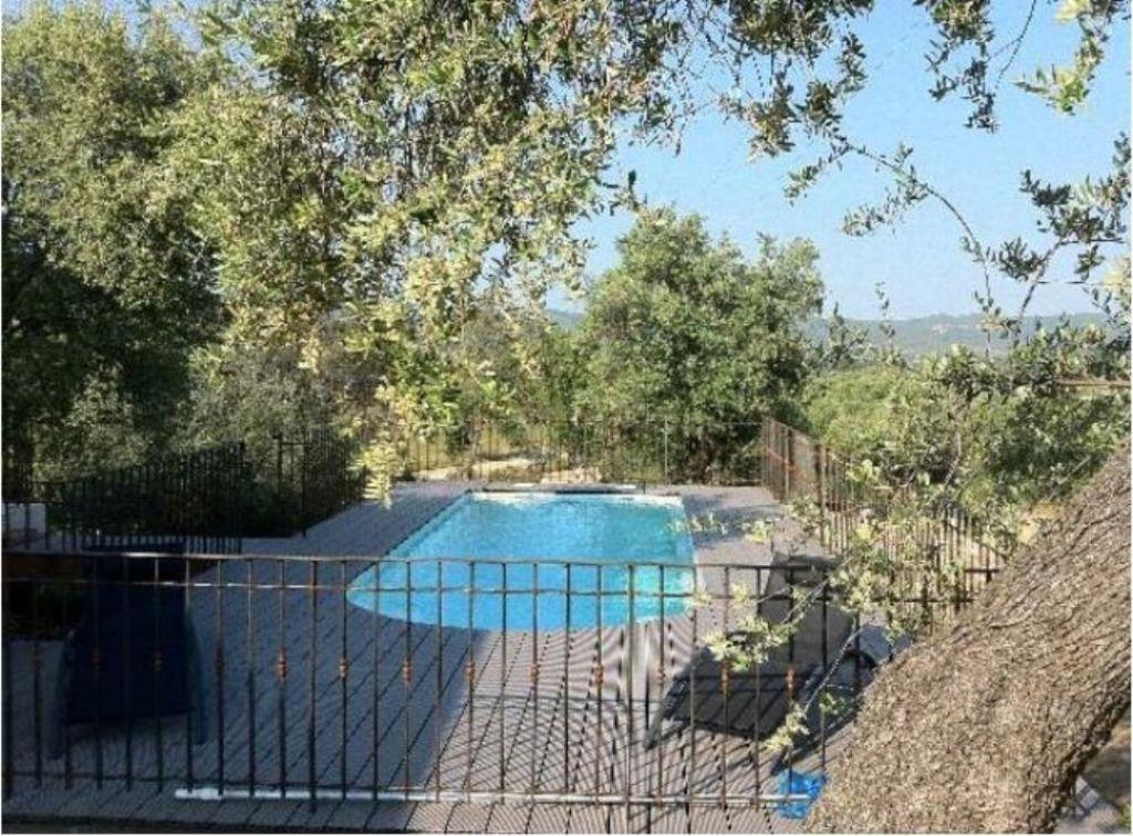 Casa con piscina en Occhiatana