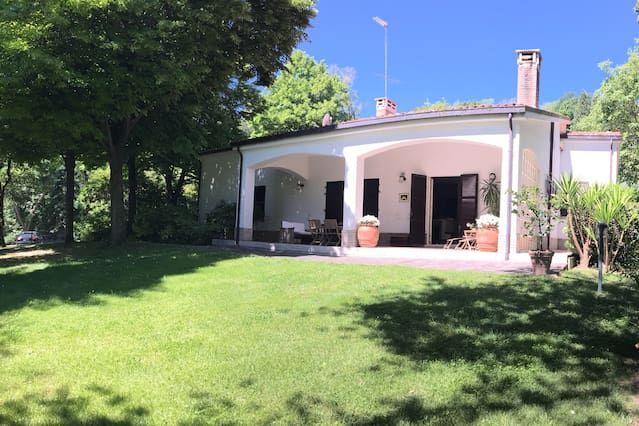 Residencia con jardín de 250 m²