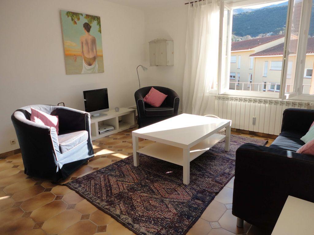 Amplio apartamento de 3 dormitorios con vistas increíbles y todas las comodidades del hogar