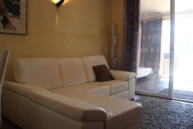 Panoramic property for 2 people