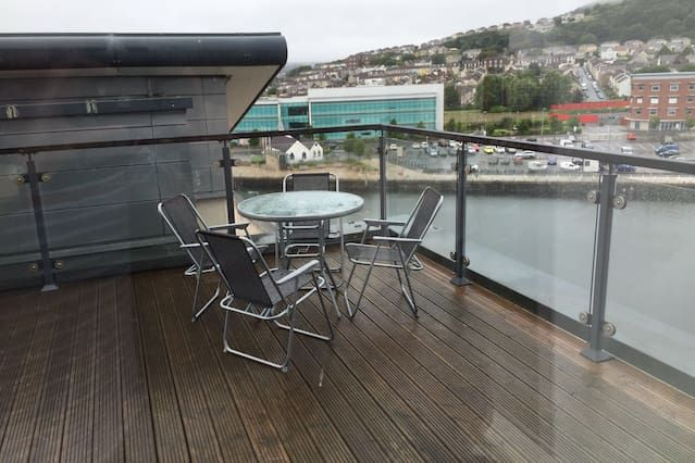 Holiday rental in Swansea with 1 room