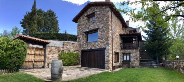 Casa de 3 habitaciones en Horcajuelo de la sierra