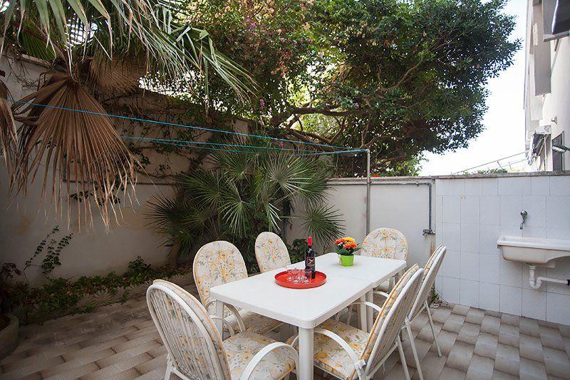Residencia panorámica con balcón