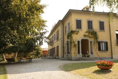 Alojamiento con jardín en Casatenovo