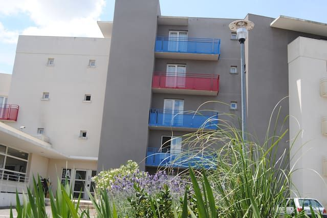 Alojamiento con jardín de 19 habitaciones