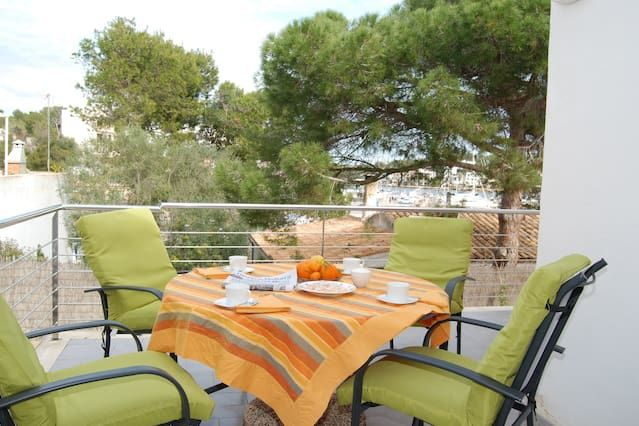 Apartment 2 minutes from the beach. Spacious terrace. Wifi.