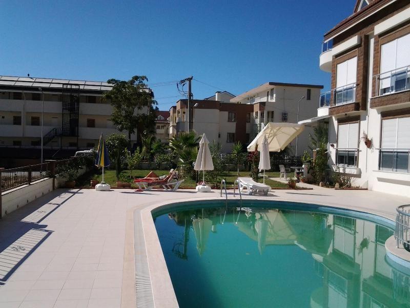 Luxusferienwohnung in Side mit Palmengarten -Pool