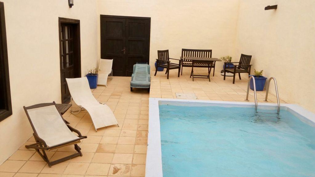 Alojamiento de 200 m² en Villa de teguise  lanzarote
