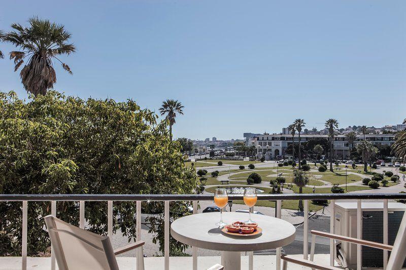 Estoril Studio with a Balcony -Ocean & Garden View