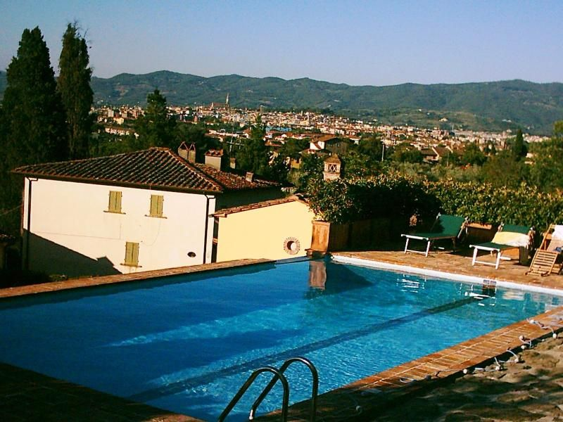 Two villas at the top of Tuscan hills, near Arezzo