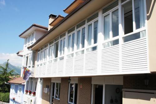 Alojamiento de 5 habitaciones con parking incluído