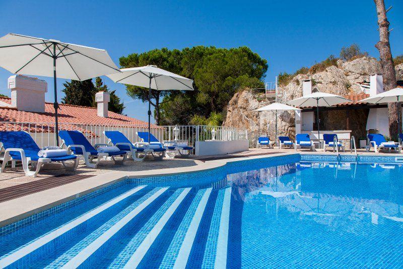 Casa funcional con piscina