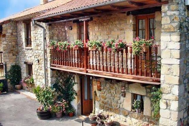 Casa para 16 personas en Ribamontán al monte