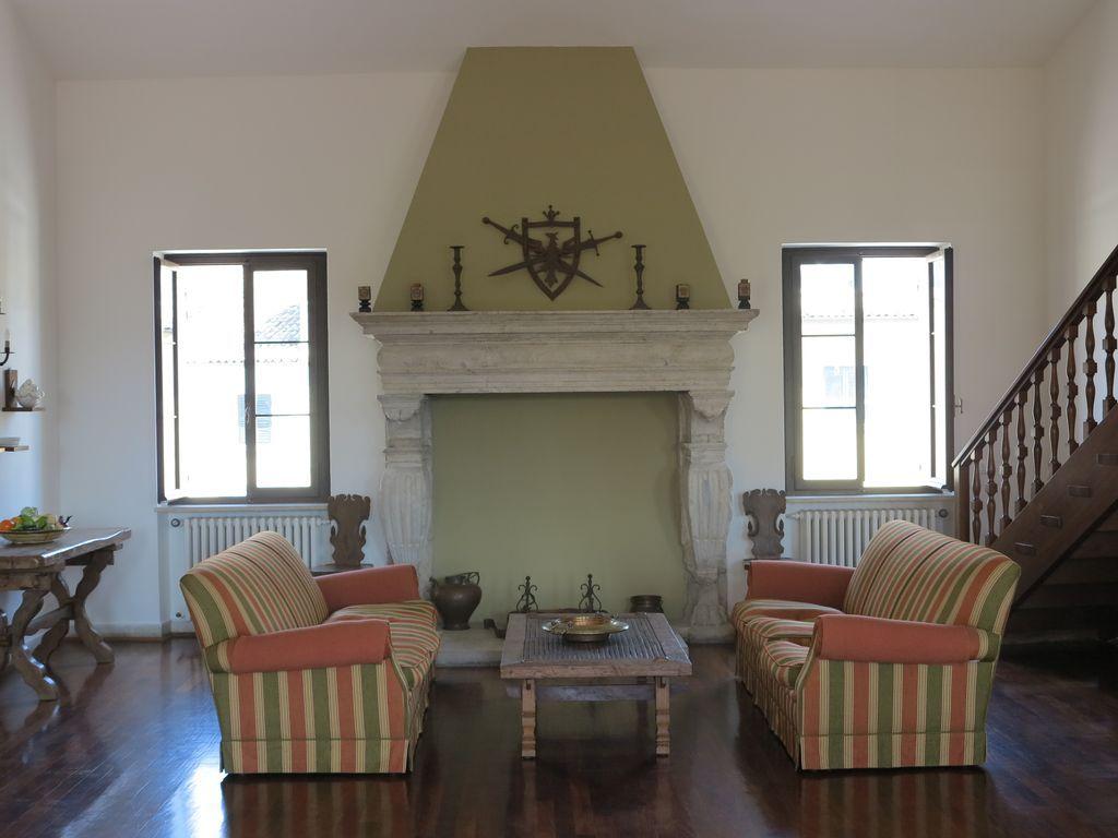 Appartamento con balcone per 10 ospiti