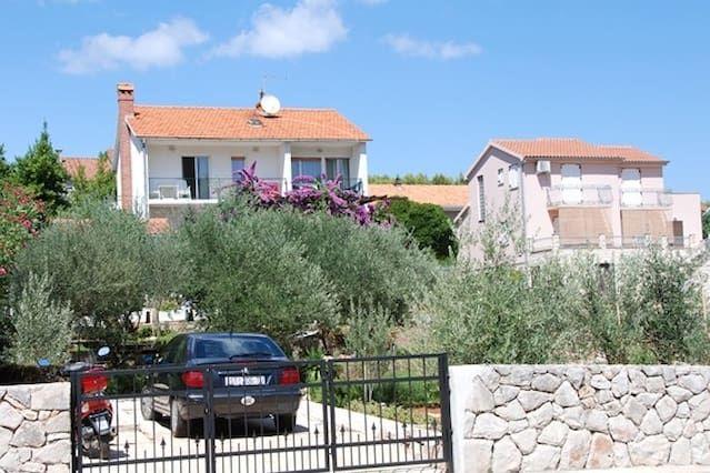 3121 A1 (6) - Stari Grad, isla de Hvar, Croacia