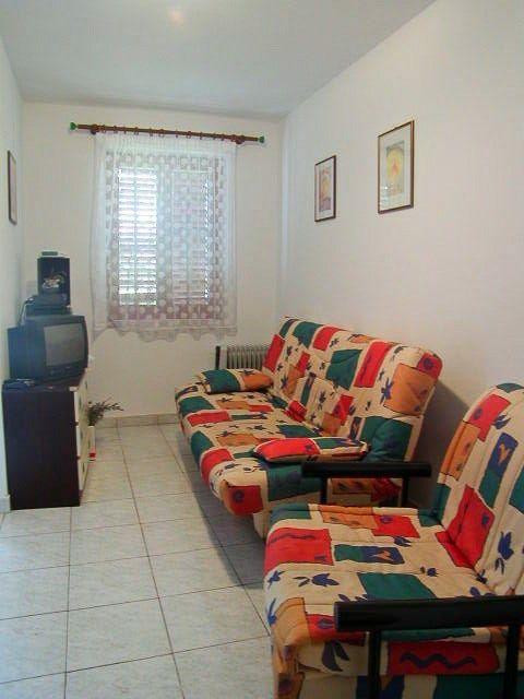 Apartamento para 4 personas cerca de la playa en Krk
