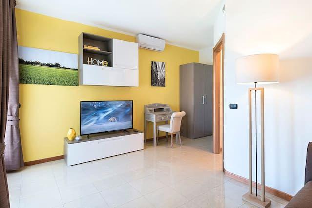 Apartamento de 1 habitación en Novara