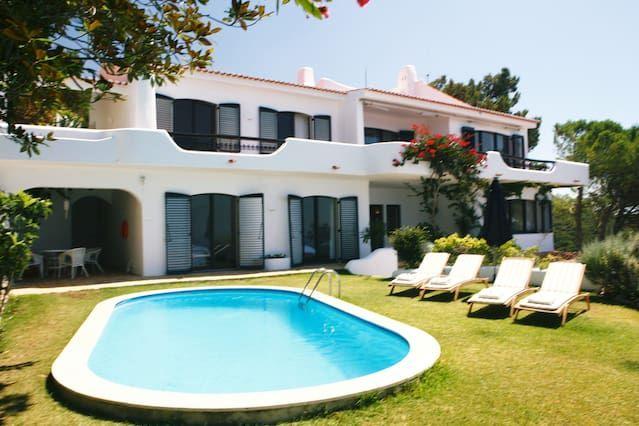Gorgeous así moderna nombrado Villa con vistas al mar impresionantes