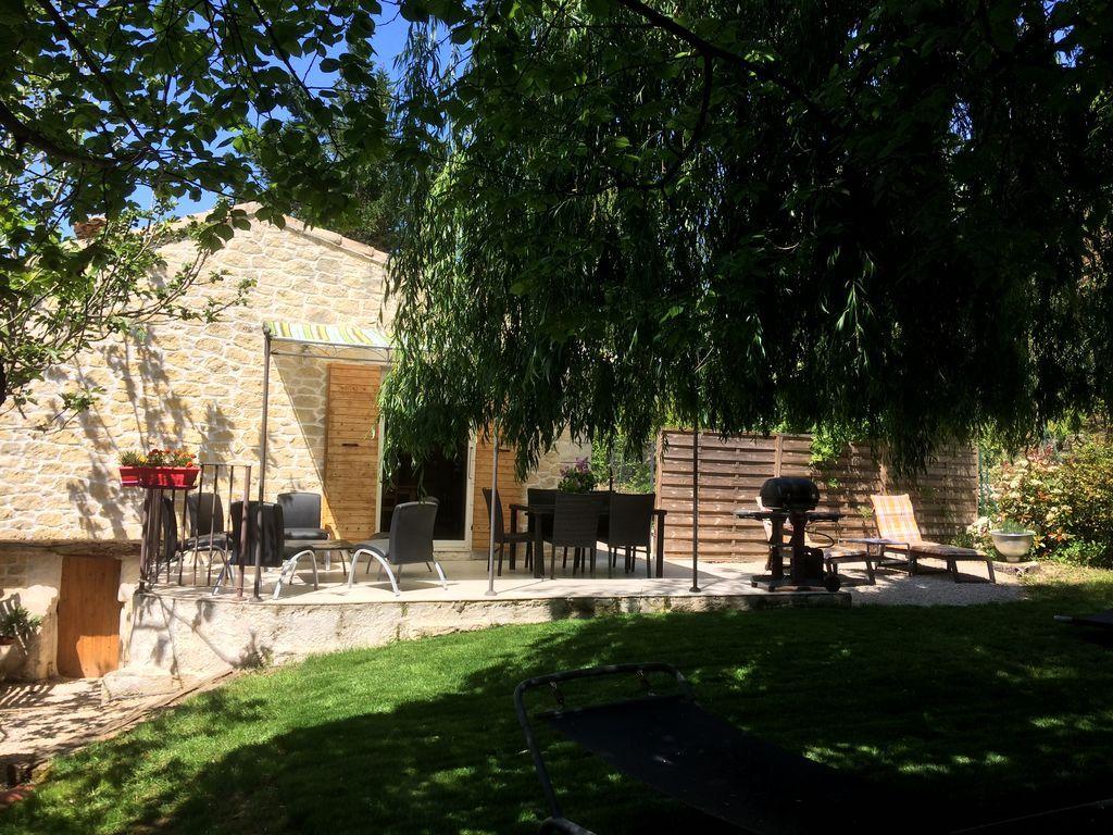 Casa de 80 m² con jardín