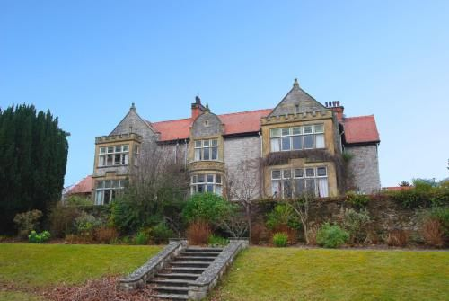 Holiday rental in Conwy with parking included