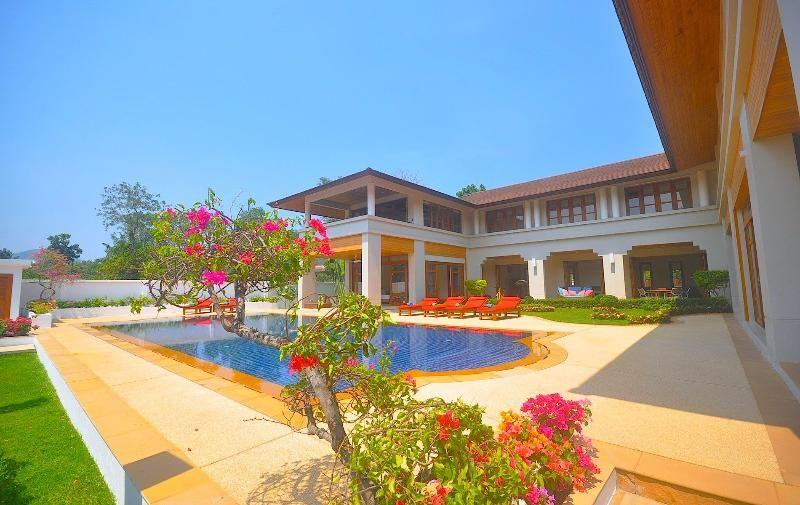 Phuket Family /Group Holiday Villa