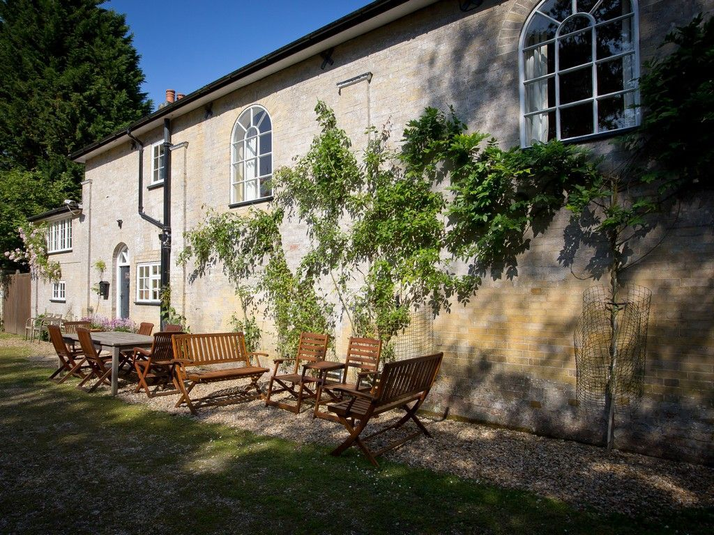 Idyllic holiday flat of 4 bedrooms in New forest