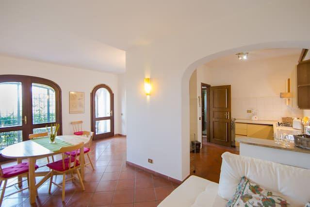 Apartamento con vistas con balcón