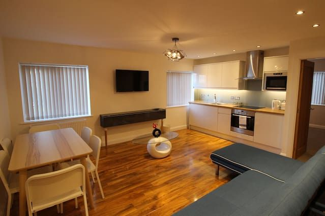 Apartment for 6 guests in Gloucester